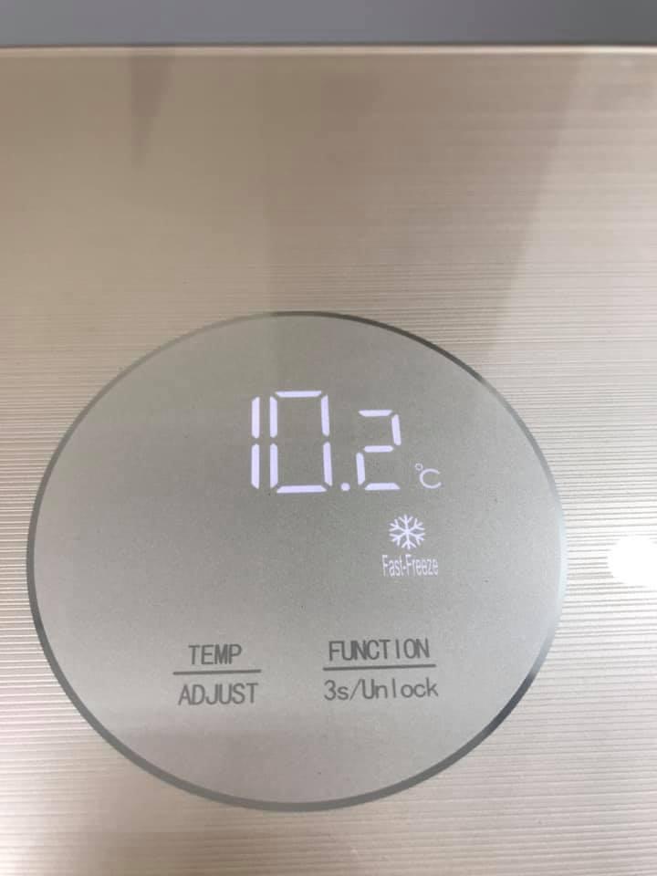Tủ đông sanden cao cấp có chế độ Đông cứng nhanh hay còn gọi là cấp đông nhanh . Cấp đông nhanh sẽ tự động tắt sau 24 giờ và chạy ở nhiệt độ cài đặt -18oC.